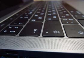 Судебная экспертиза появления неисправности в ноутбуке Apple MacBook Pro13
